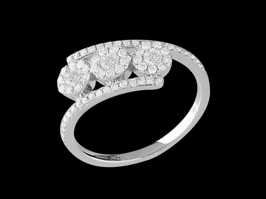 bague luminescence or blanc 18 carats et diamants carat taille 48. Black Bedroom Furniture Sets. Home Design Ideas