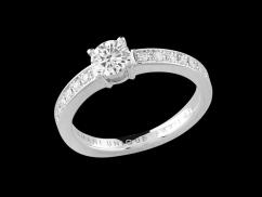 Bague or blanc 18 carats diamant