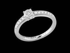 Solitaire My Love  - Or blanc 18 carats, diamant de 0,30 carat et pavage diamants 0,10 carat